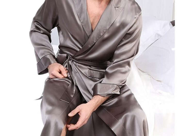 An Overview On Silk Robes For Men